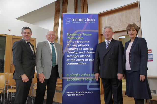 Looking forward to the Towns Conference: Derek Mackay MSP (@DerekMackayMSP), Prof Leigh Sparks (@sparks_stirling), Ian Davison-Porter (@bidscotland) and Margaret McCulloch MSP (Chair of the CPG) (@mapmsp)